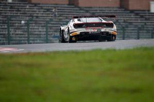 #27 HubAuto Corsa Ferrari 488 GT3: Heikki Kovalainen, Nick Cassidy, Nick Foster