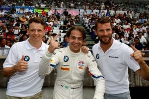 Pole sitter #42 BMW Team Schnitzer BMW M6 GT3: Augusto Farfus, Nick Yelloly, Martin Tomczyk
