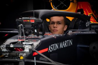 Alexander Albon, Red Bull Racing RB15 in garage
