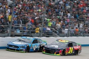 Kevin Harvick, Stewart-Haas Racing, Ford Mustang Busch Beer All Harvick William Byron, Hendrick Motorsports, Chevrolet Camaro Axalta