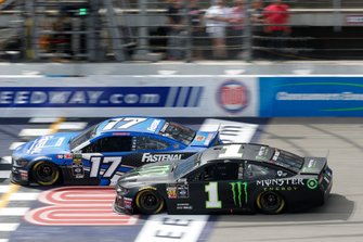 Kurt Busch, Chip Ganassi Racing, Chevrolet Camaro Monster Energy Ricky Stenhouse Jr., Roush Fenway Racing, Ford Mustang Fastenal