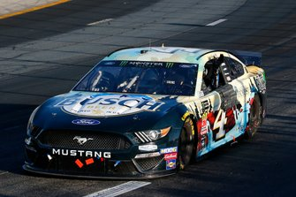 Race Winner Kevin Harvick, Stewart-Haas Racing, Ford Mustang Busch Beer / National Forest Foundation