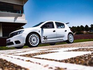 Dacia Sandero R4