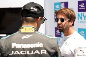 Antonio Felix da Costa, BMW I Andretti Motorsports talks with Mitch Evans, Panasonic Jaguar Racing