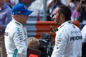 Valtteri Bottas, Mercedes AMG F1 and Lewis Hamilton, Mercedes AMG F1 celebrate in Parc Ferme