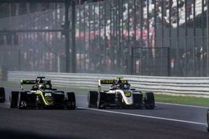 Max Fewtrell, ART Grand Prix and Teppei Natori, Carlin Buzz Racing