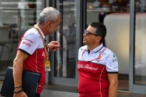 Beat Zehnder, Team Manager, Alfa Romeo Racing, talks to a colleague