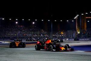 Alexander Albon, Red Bull Racing RB15, leads Lando Norris, McLaren MCL34