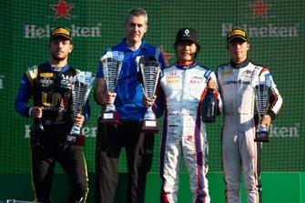 Nobuharu Matsushita, Carlin, Nyck De Vries, ART Grand Prix en Luca Ghiotto, UNI Virtuosi Racing
