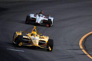Simon Pagenaud, Team Penske Chevrolet, Santino Ferrucci, Dale Coyne Racing Honda