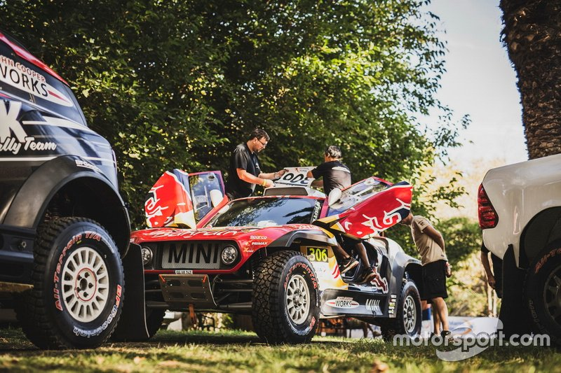 Coche de Carlos Sainu and Lucas Cruz, X-Raid Team