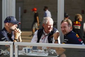 Adrian Newey, Chief Technical Officer, Red Bull Racing, Helmut Marko, Consultant, Red Bull Racing en Christian Horner, Team Principal, Red Bull Racing.