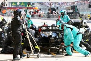 Valtteri Bottas, Mercedes W12, makes a pit stop