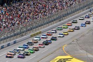 Joey Logano, Team Penske, Ford Mustang Autotrader et Alex Bowman, Hendrick Motorsports, Chevrolet Camaro Ally