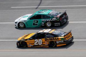 Christopher Bell, Joe Gibbs Racing, Toyota Camry DEWALT, Brad Keselowski, Team Penske, Ford Mustang MoneyLion