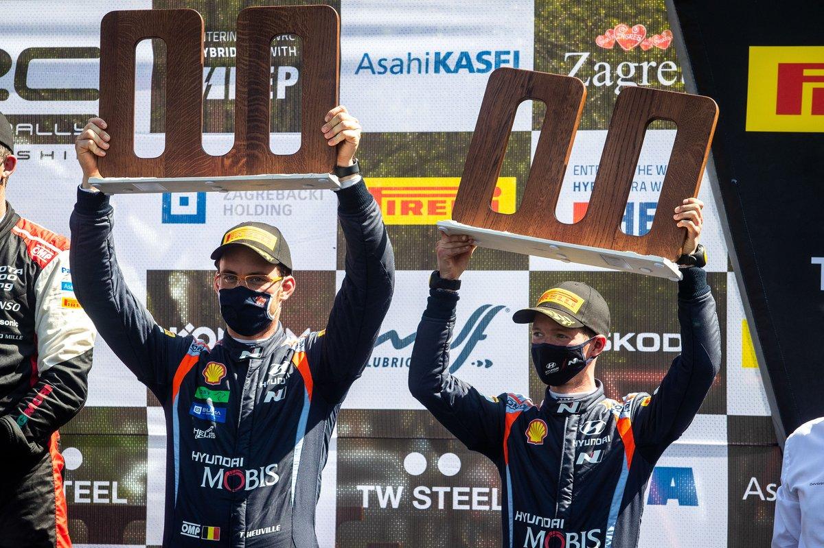 Podo: tercer lugar Thierry Neuville, Martijn Wydaeghe, Hyundai Motorsport Hyundai i20 Coupe WRC