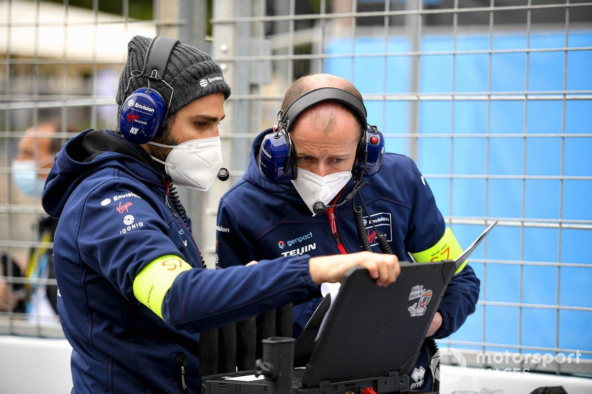 Mecánicos de Envision Virgin racing