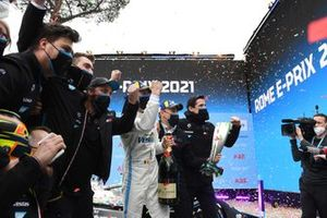 Stoffel Vandoorne, Mercedes-Benz EQ, 1st position, the Mercedes team celebrate victory at the podium ceremony