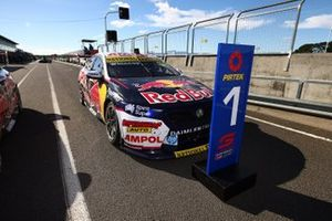 Race winner Jamie Whincup, Triple Eight Race Engineering