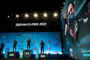 Robin Frijns, Envision Virgin Racing, Race Winner Sam Bird, Panasonic Jaguar Racing and Jean-Eric Vergne, DS Techeetah celebrate on the podium