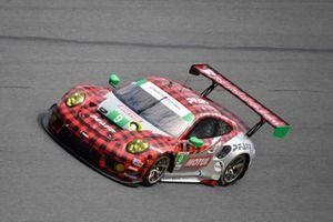 #9 Pfaff Motorsports Porsche 911 GT3R, GTD: Zacharie Robichon, Laurens Vanthoor, Lars Kern, Matt Campbell