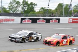 Aric Almirola, Stewart-Haas Racing, Ford Mustang Smithfield, Ross Chastain, Chip Ganassi Racing, Chevrolet Camaro McDonald's