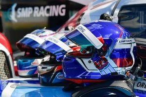 SMP Racing kaskları