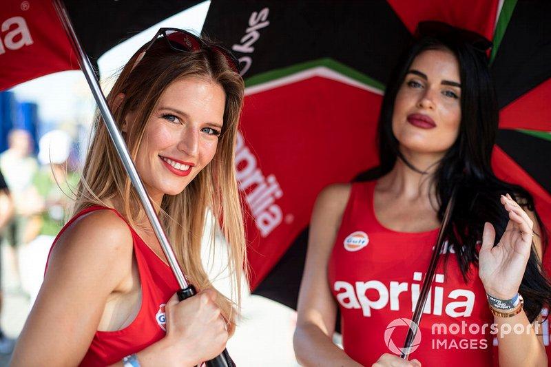 Девушки на этапе MotoGP в Ассене