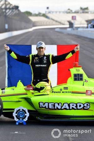 Simon Pagenaud, Team Penske Chevrolet NTT P1 award and pole winner, front row