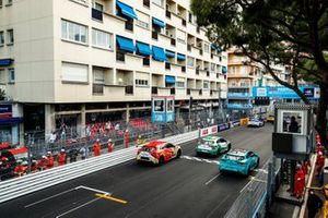 Ahmed Bin Khanen, Saudi Racing Anthony Beltoise, Jaguar VIP car, Yaqi Zhang, Team China at the start