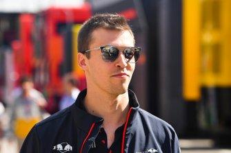 Daniil Kvyat, Toro Rosso dans le paddock