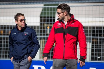 Robin Frijns, Envision Virgin Racing, Daniel Abt, Audi Sport ABT Schaeffler, talking on a track walk