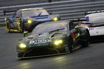 #7 D'station Racing AMR Aston Martin Vantage GT3: Tomonobu Fuji, Joao Paulo de Oliveira, Darren Turner