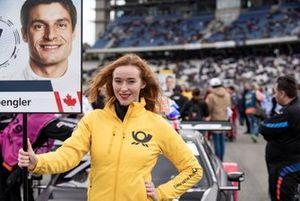 Grid girl, Bruno Spengler, BMW Team RMG
