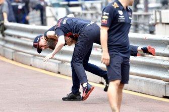 Max Verstappen, Red Bull Racing wrestles a Red Bull Racing mechanic