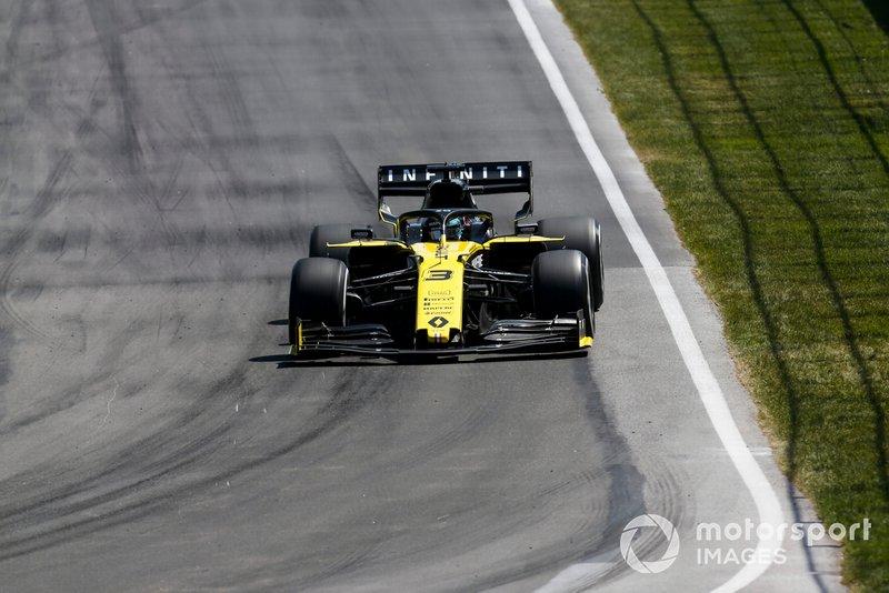 Daniel Ricciardo foi um dos destaques da prova