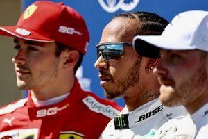 Top drie van de kwalificatie Qualifiers, Charles Leclerc, Ferrari, de man op pole Lewis Hamilton, Mercedes AMG F1, en Valtteri Bottas, Mercedes AMG F1