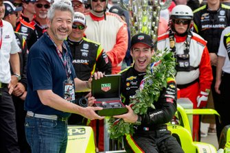 Watch presentation for race winner Simon Pagenaud, Team Penske Chevrolet