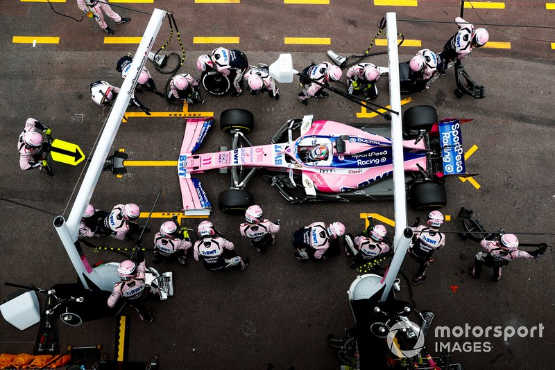 Sergio Perez, Racing Point RP19, pit stop