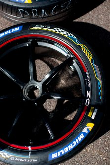 Close up of Envision Virgin Racing wheels