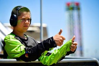 Junger NASCAR-Fan
