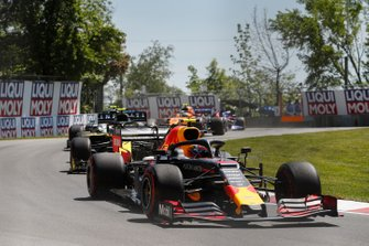Pierre Gasly, Red Bull Racing RB15, leads Nico Hulkenberg, Renault F1 Team R.S. 19