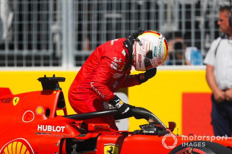 Il poleman Sebastian Vettel, Ferrari, dopo le Qualifiche