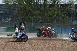 Tom Sykes, BMW Motorrad WorldSBK Team, Eugene Laverty, BMW Motorrad WorldSBK Team, crash