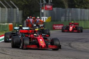 Sebastian Vettel, Ferrari SF1000, Valtteri Bottas, Mercedes F1 W11