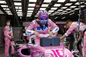 Lance Stroll, Racing Point, in the garage