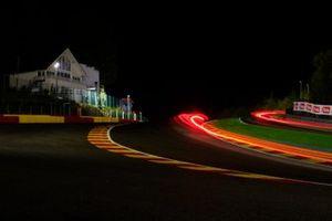 Le Raidillon de noche