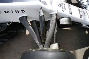 AlphaTauri AT01 front suspension detail