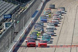 Sheldon Creed, GMS Racing, Chevrolet Silverado y Brett Moffitt, GMS Racing, Chevrolet Silverado líder