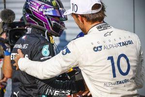 Race Winner Pierre Gasly, AlphaTauri celebrates in Parc Ferme with Lewis Hamilton, Mercedes-AMG F1